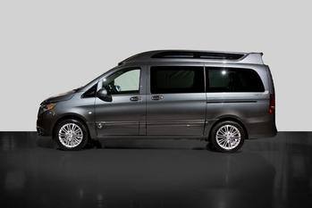 Mercedes-Benz Metris Flint Grey with Black Pearl Fade Paint